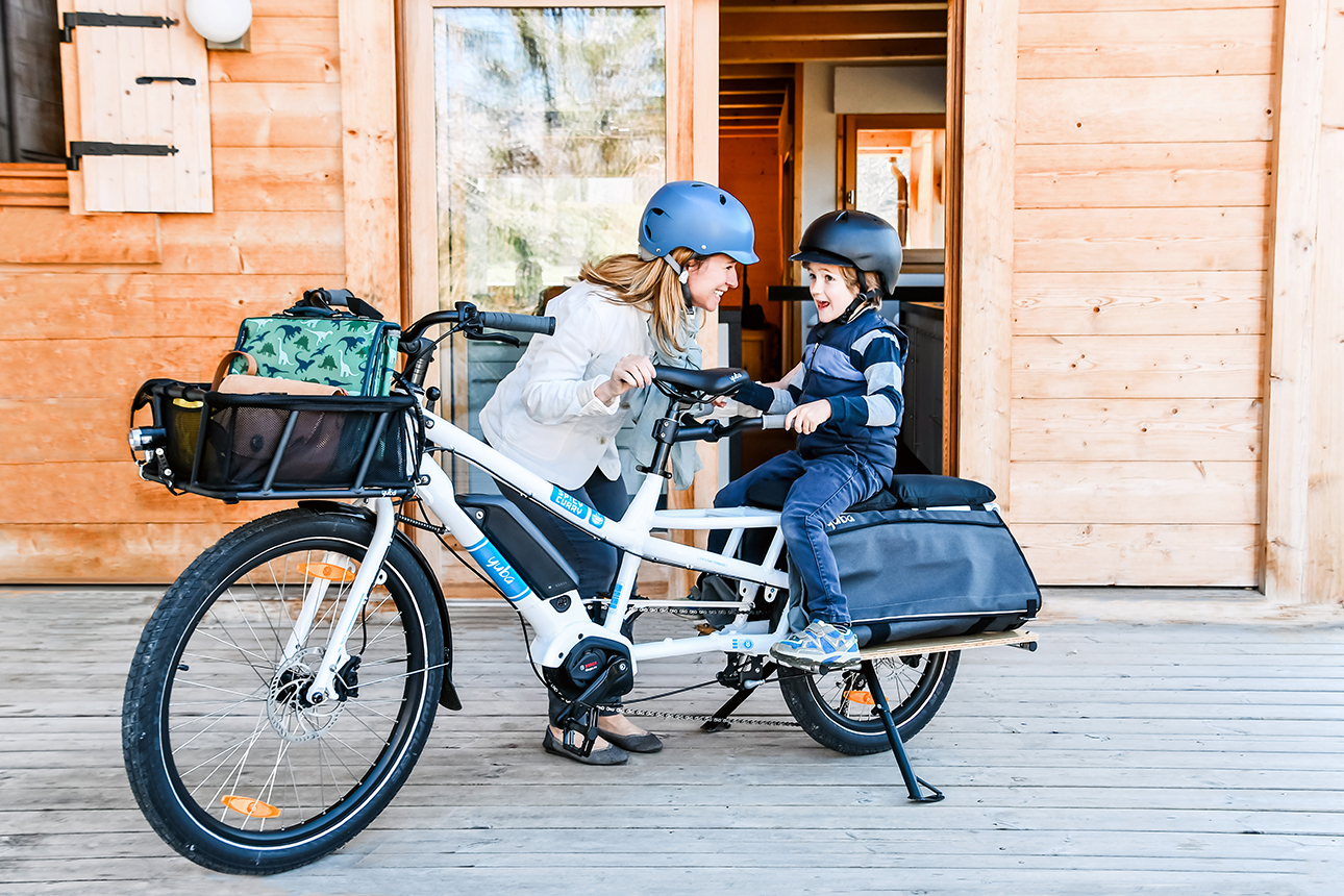 yuba-spicy-curry-v3-cargo-bicycle-mom-kid